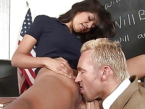 Schoolgirl acquires allowing yon a colossal doyenne horseshit