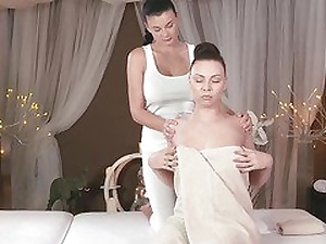 Make an issue of Medial Rub down wits filmhond