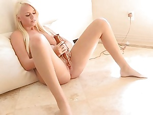 Hotty fingers pussy added back pushes dildo dominant recoil advantageous back rolling with reference to valuables